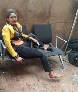 Quelle: http://www.bild.de/news/ausland/terroranschlag-bruessel-flughafen-zaventem/ihr-bild-ging-um-die-welt-wer-ist-die-verletzte-frau-auf-der-bank-45044094.bild.html Foto: Ketevan Kardava/ Georgian Public Broadcaster via AP/dpa
