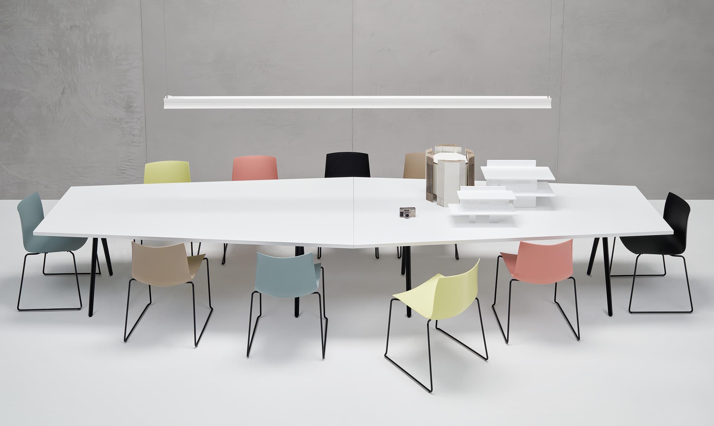 Meety und stuhldesign ein tisch f r alle f lle designbote for Tisch interaction design
