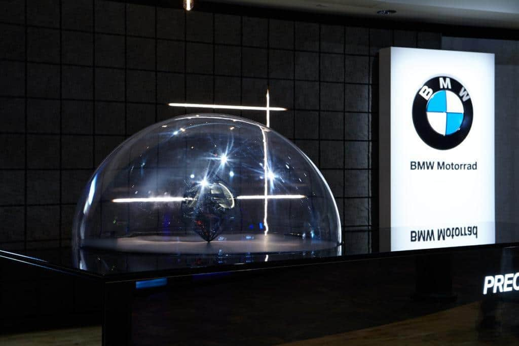Exponat BMW Motorrad: Precision and Emotion / Simple