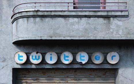 Social Decay Twitter: Muted Birdy? Andrei Lacatusu