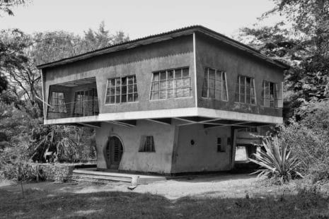 "Bauhausstil: Haus ""Le Champignon"", Gitega, Burundi, um 1946"