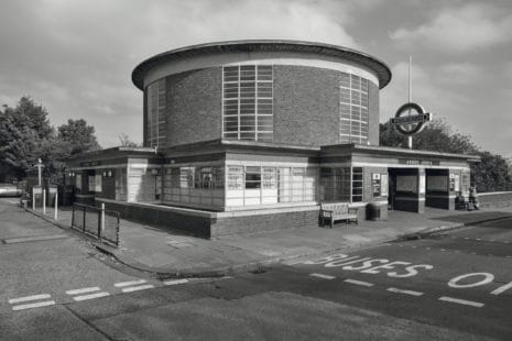 Bauhausstil: Metro Station Arnos Grove, London, UK, 1932