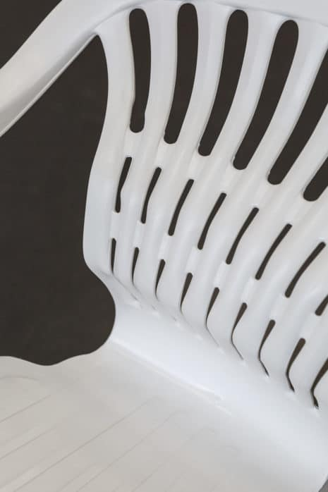 """Die Arbeit """"exclusive design"""" von Gina Hartig und Martha Sophie Kikowatz (Industriedesign) wurde in der Kategorie """"Engagiertestes Anliegen"""" ausgezeichnet. Die Arbeit wird zudem in der Sonderausstellung des Stadtmuseums Halle """"Geschichten, die fehlen"""" präsentiert werden. Foto: Max Méndez, Michel Klehm"""