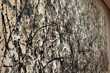 Pollock-Malerei an der Wand