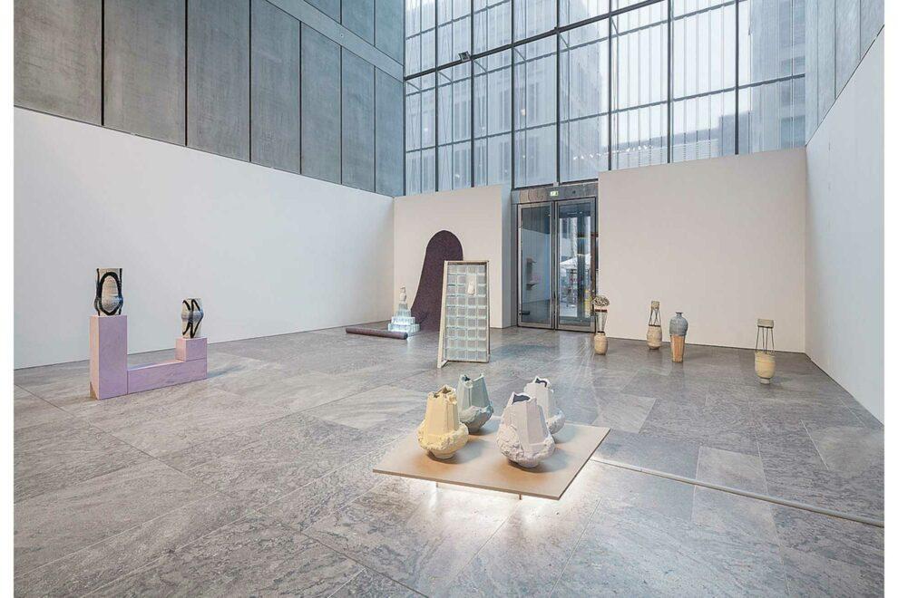 Sarah Pschorn First Contact, 2018 Ausstellungsansicht Museum der Bildenden Künste Leipzig Foto: Jakob Adolphi